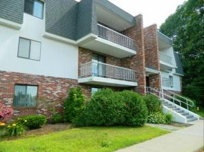 2br -900ft2 - 1/2 Month Rent Free-2 bedroom $1255.00 heated!