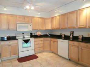 2br -900ft2 - 1/2 Month Rent Free-2 Bedroom $1405.00 Heat & Hotwater Included!