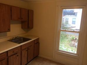 2br -Two level Apartment Near Bangor